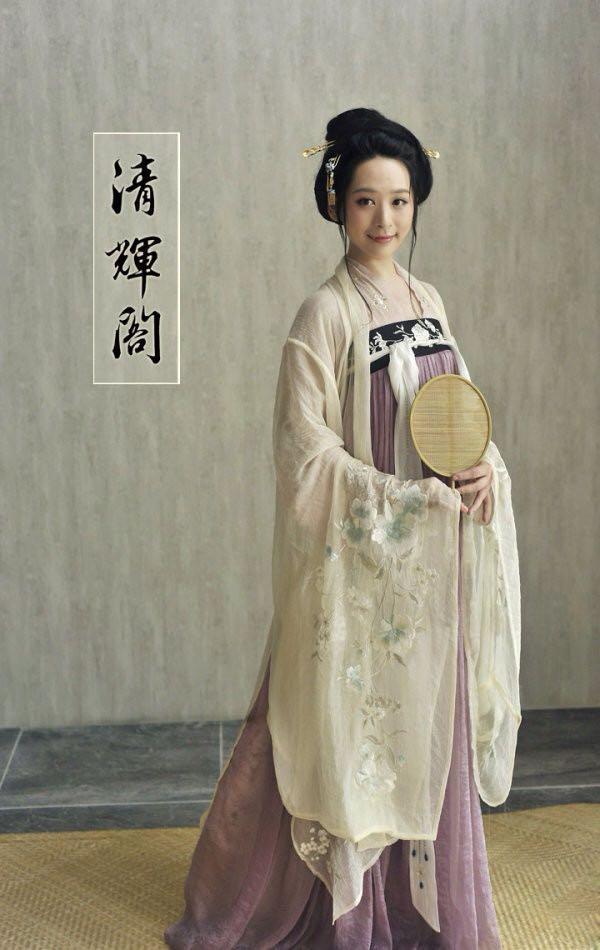 为什么看到新闻里中国人穿汉服等 没有日本和