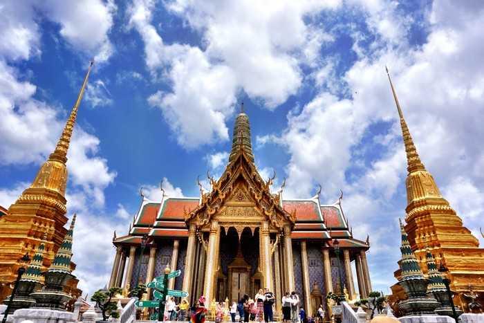 准备去泰国旅游了.主要去清迈和曼谷 四五天的样子.有