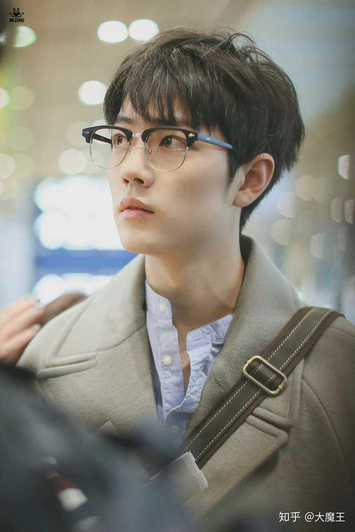 有刘海的肖战也是一枚美好帅气的boy啊!图片