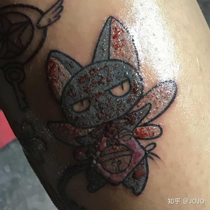 纹过身的人可以讲一下纹身到底有多疼吗?