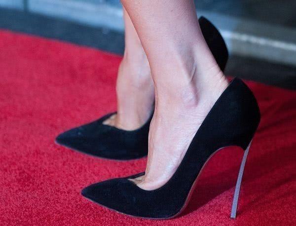 白洁高跟鞋_高跟 高跟鞋 女鞋 鞋 鞋子 600_458
