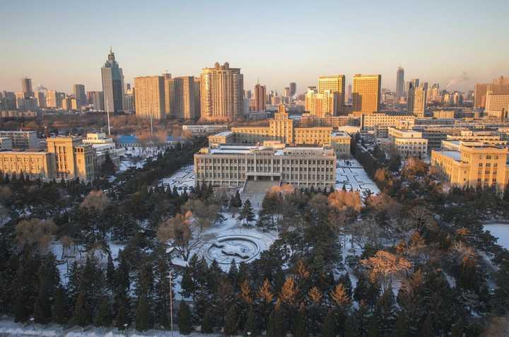 这是东北大学图书馆图片