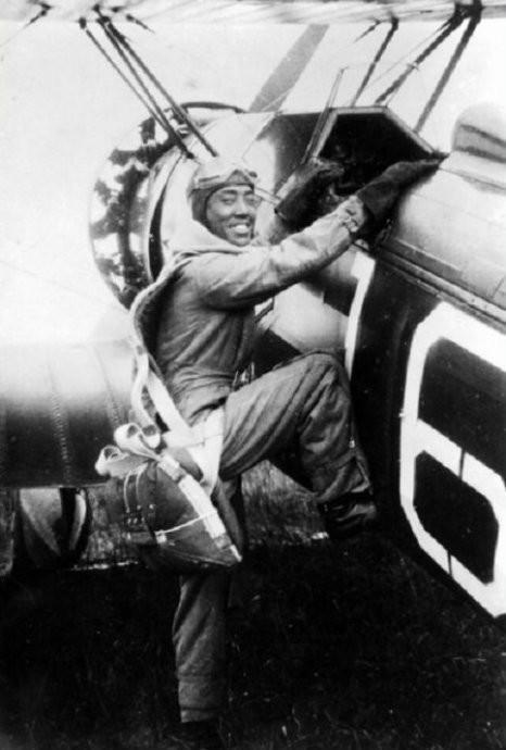 陆航 刘粹刚/二战期间各国空军/陆航/海航有哪些传奇故事?