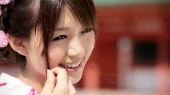 发一张你认为很漂亮的美女照片?