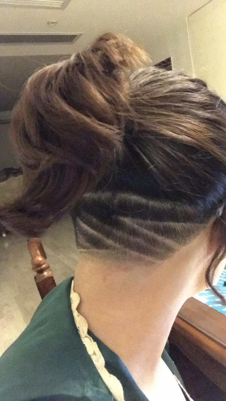 女生头发厚剪短发可以把后脑头发剃了吗?图片