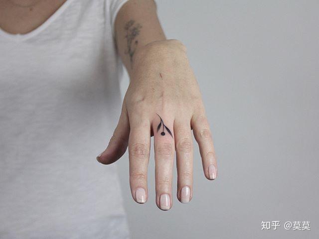 女生小清新纹身之手指纹身图案