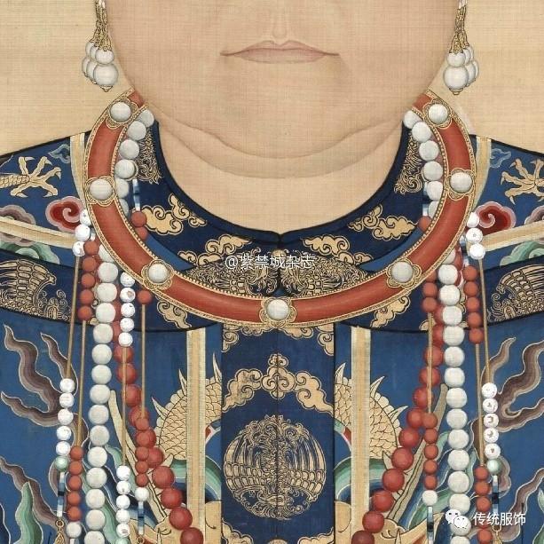 这种大了不仅仅是对照清代皇后们的画像发现的,光看海报本身都替她图片