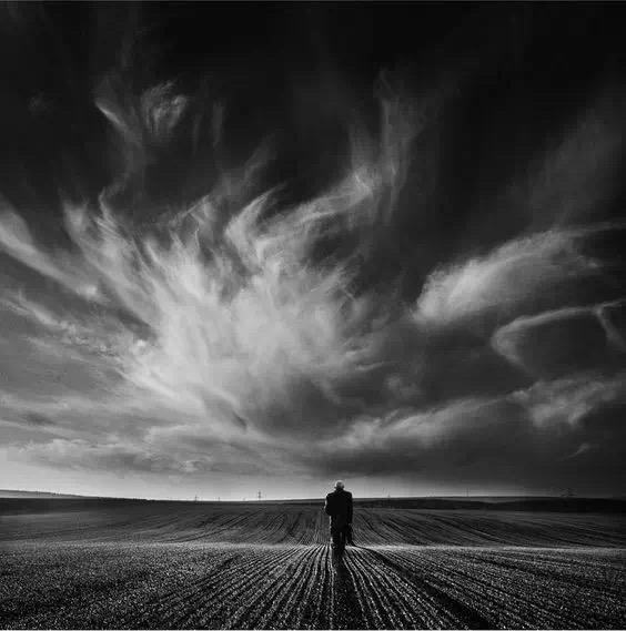 有哪些很悲伤很孤独的句子?