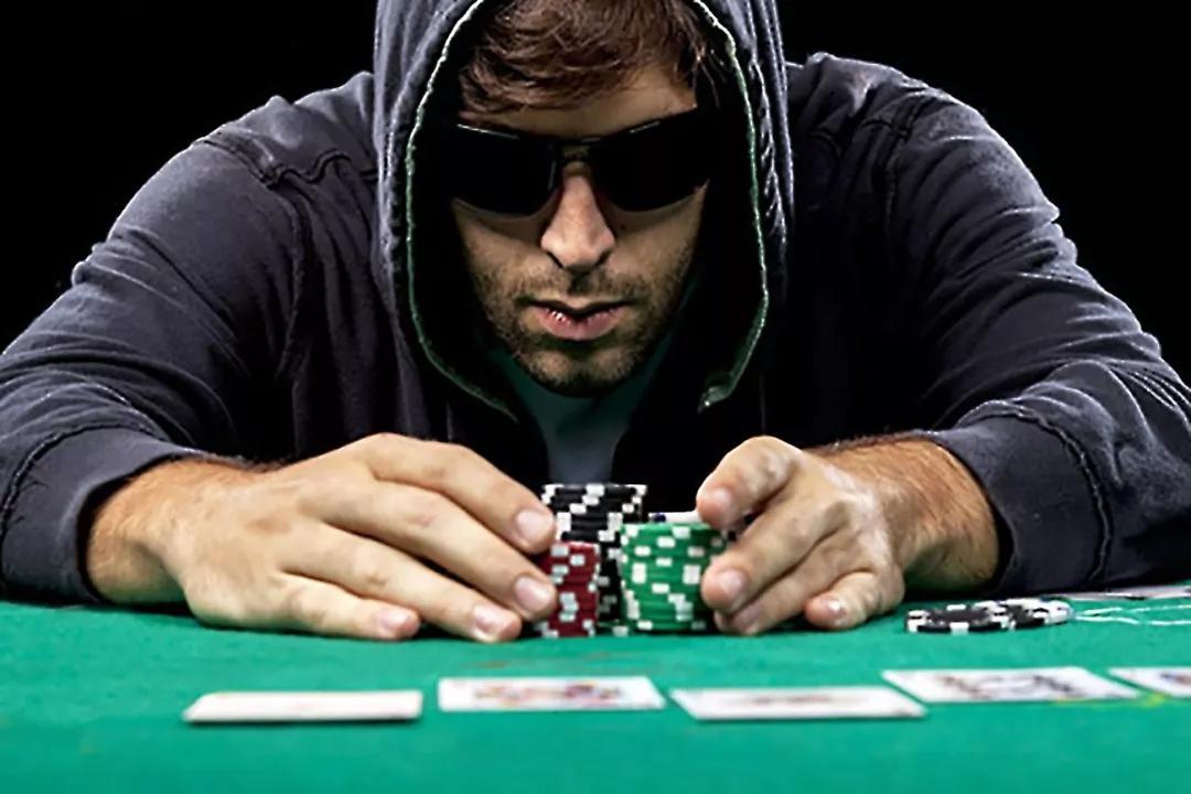 德州扑克的二四法则