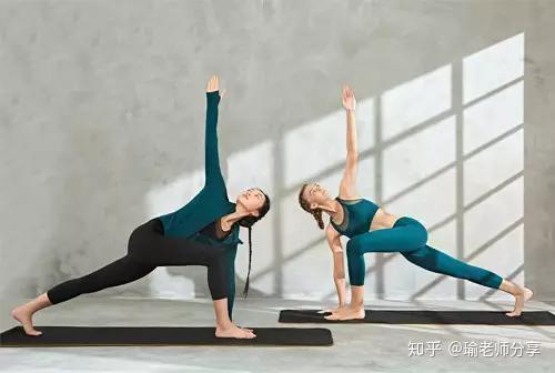 瑜动作|瘦腿和开胯是老师练习的,试试这5组瑜伽产品,让练习更高效养生堂的减肥瘦身同时图片