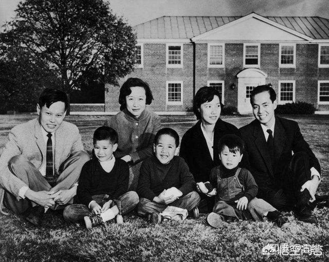 1961年生有女儿杨又礼,蒙太拿州列文斯登县一名白衣天使.