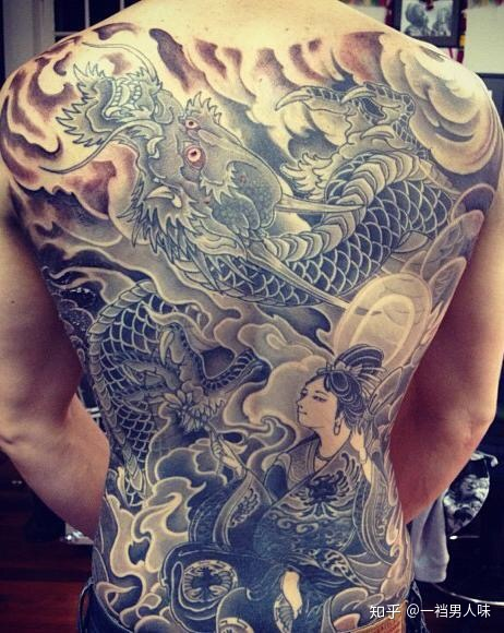 龙哥那样的纹身要多少钱?