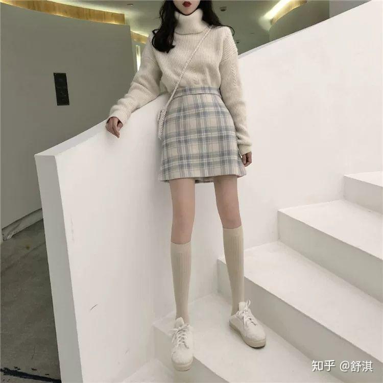 X裙子字型穿A女生女生?夜情型腿一后对图片