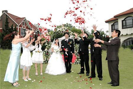 伴郎伴娘要未婚吗_所以只有单身的未婚男女才可以充当伴郎或是伴娘的角色,已经结婚的是