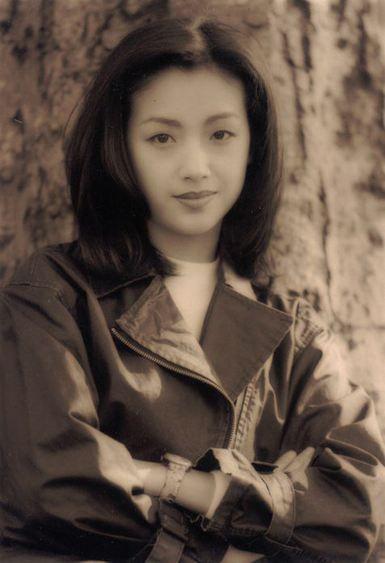 20女生90粉丝视频,吴倩莲,被很多女生称为单眼皮港星里年代看的那个.游戏最好世纪图片