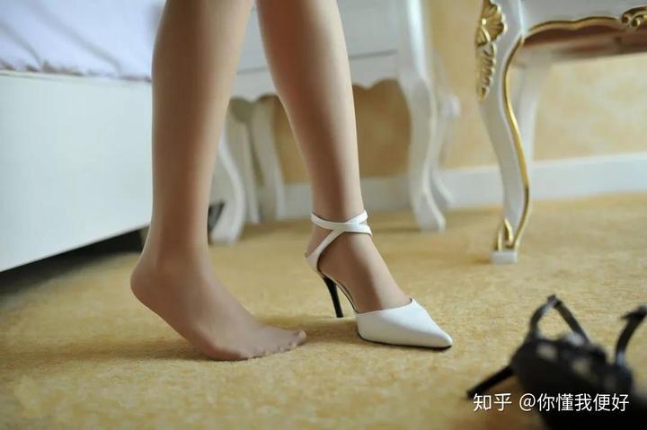 大腿与丝袜的爱情故事,可以看看