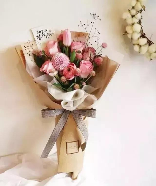 基础花束包装,考验花艺师方方面面的时候到了图片