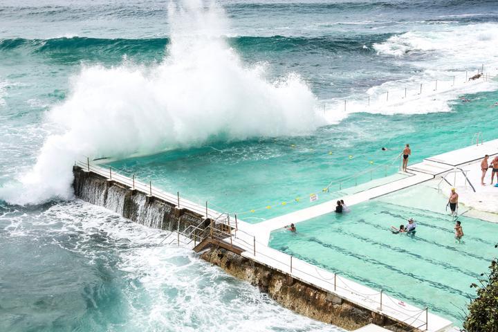 8月底去澳洲的悉尼和墨尔本,有什么推荐必玩的和美食店吗?