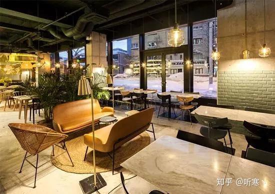 2,餐饮店墙面的处理,在整个餐饮空间中墙面占据的面积是最大墙面的图片