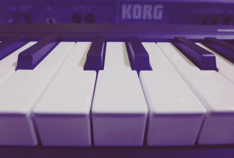 midi合成器是什么_MIDI 键盘、电子琴、电钢琴及键盘合成器的区别 - 知乎