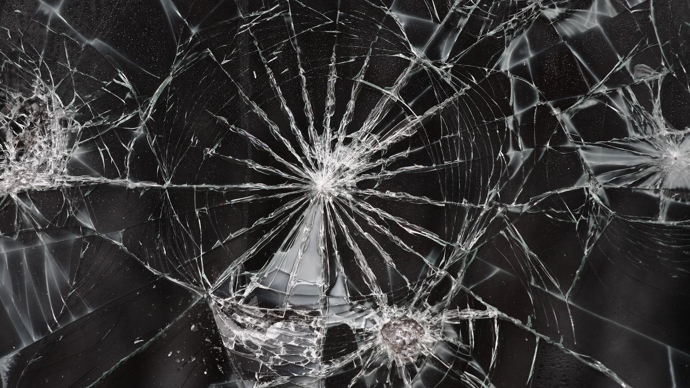 - Mobile screen crack wallpaper ...