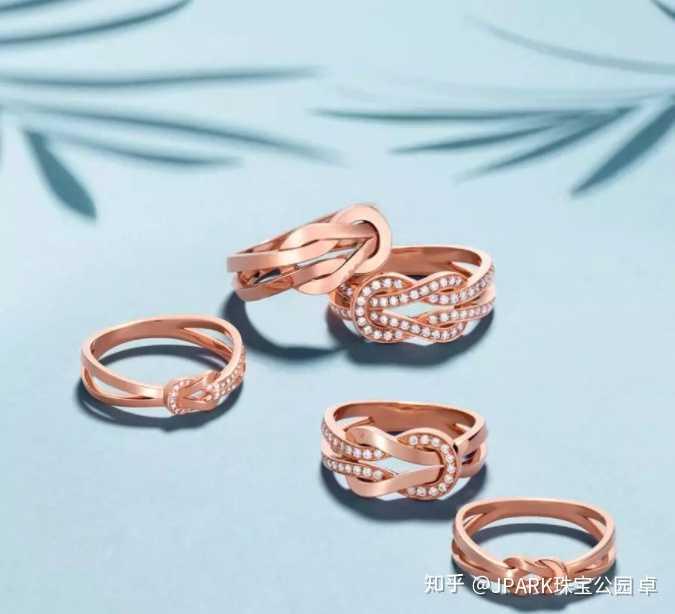 女人一般到了哪个年纪,才会购买具有价值的珠宝?