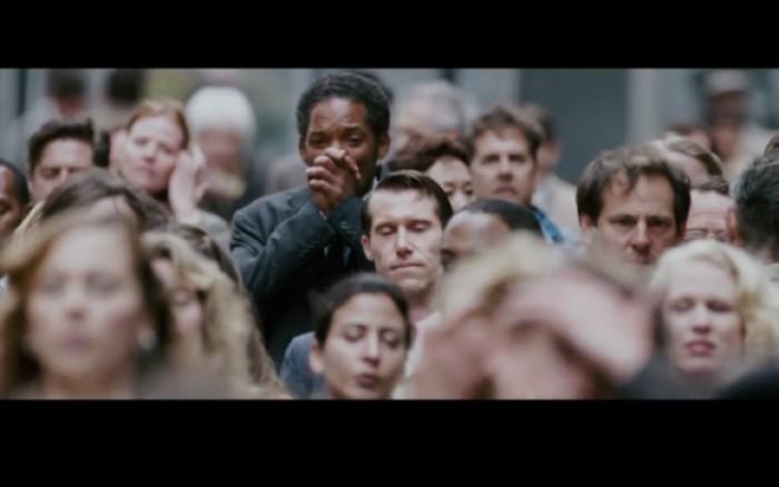 幸福来敲门电影高清_电影当幸福来敲门 克里斯最后走在人群中拍手高清图片