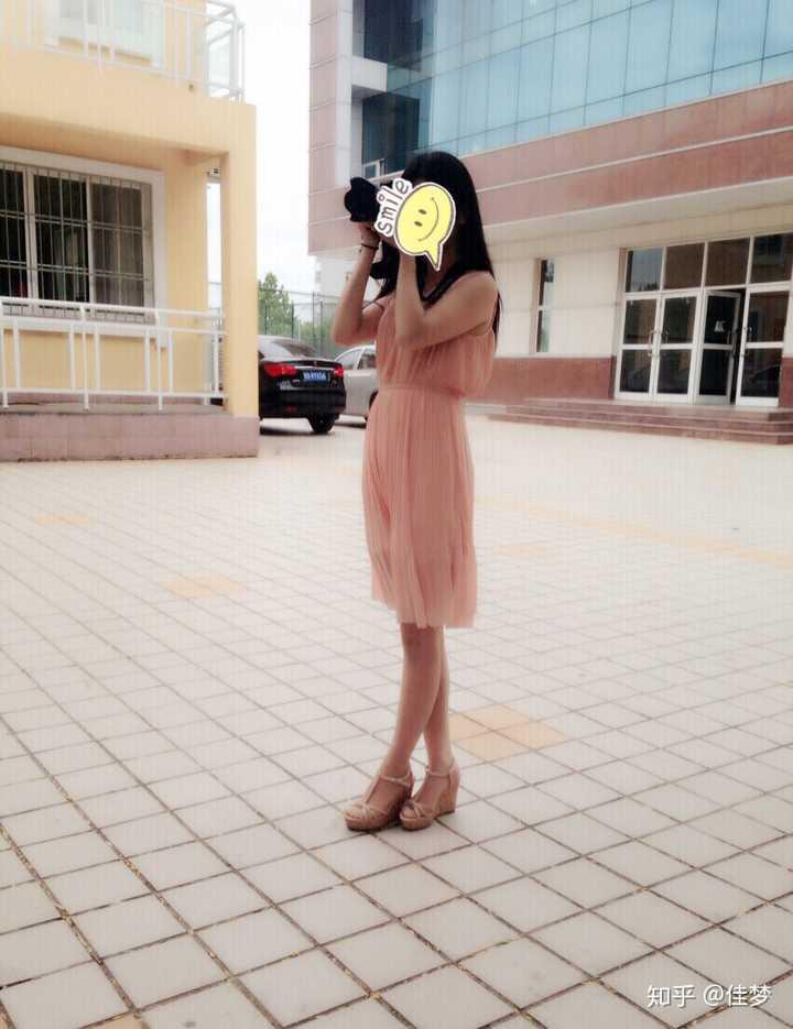 14岁少女丝袜被我操_为什么现在的女生夏天穿凉鞋不搭配丝袜而是光着脚?