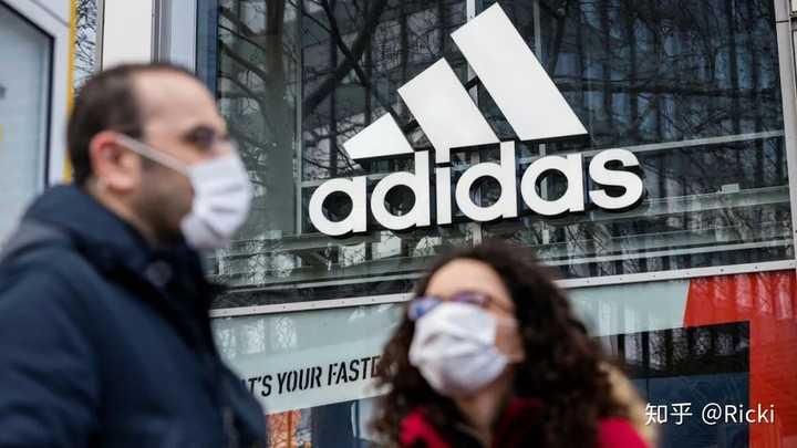 如果金额有限,你是会选择买阿迪达斯的鞋还是耐克的鞋?阿迪达斯真的退步了吗?