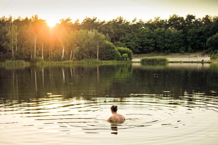 到陌生水域游泳和潜水,需要注意和小心哪些方面?