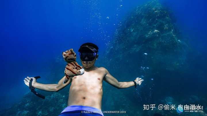 潜水的时候如何避免脸部晒不均匀?