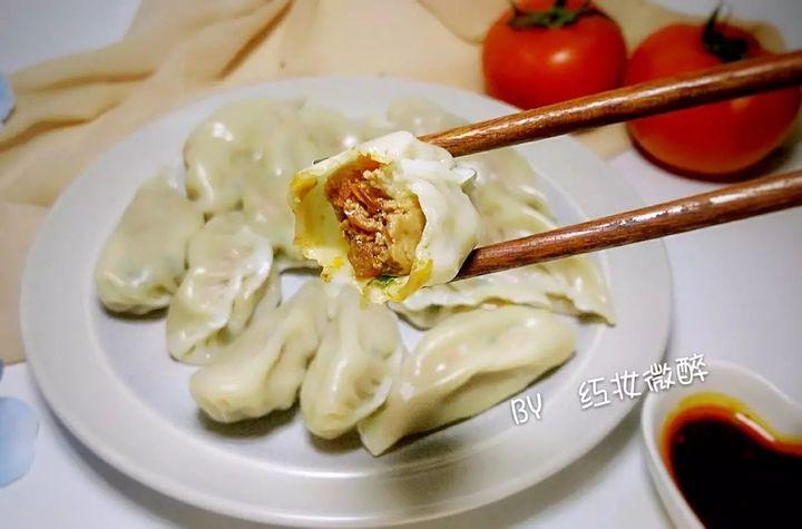 素三鲜饺子馅的做法_一提饺子就想到韭菜鸡蛋和猪肉,是时候为口口爆汁的番茄馅打 ...
