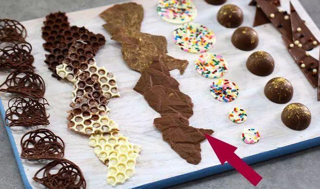 巧用身边小物件,你也可以做出米其林星级的巧克力装饰