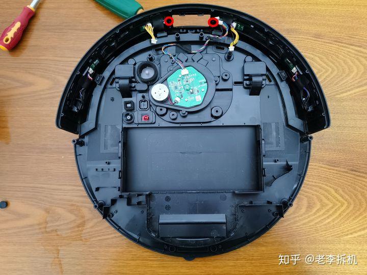 最新分享:科沃斯T8扫地机器人拆解内容必看 电器拆机百科 第3张