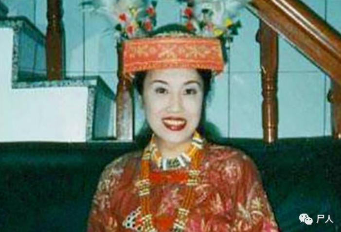 中国变性第一人?进女厕、来姨妈,网红Abbily假变性事件后32