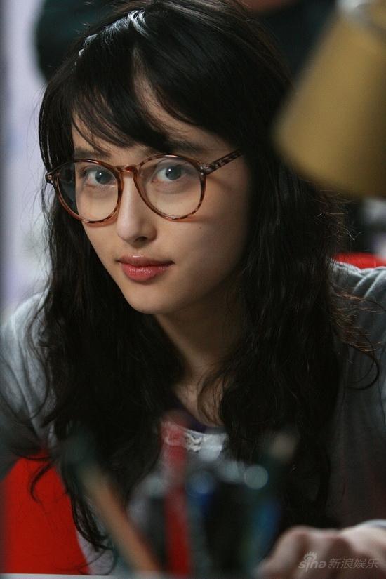 高度近视不戴眼镜_一个女生不戴眼镜会比戴眼镜时好看吗? - 知乎