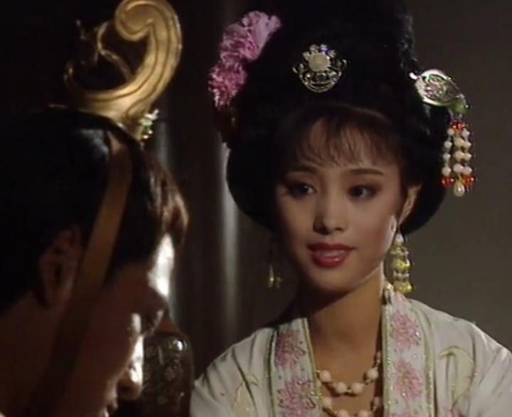 老版武则天三级片_【老剧赏】191张图细看刘晓庆版武则天中的丽人妆服