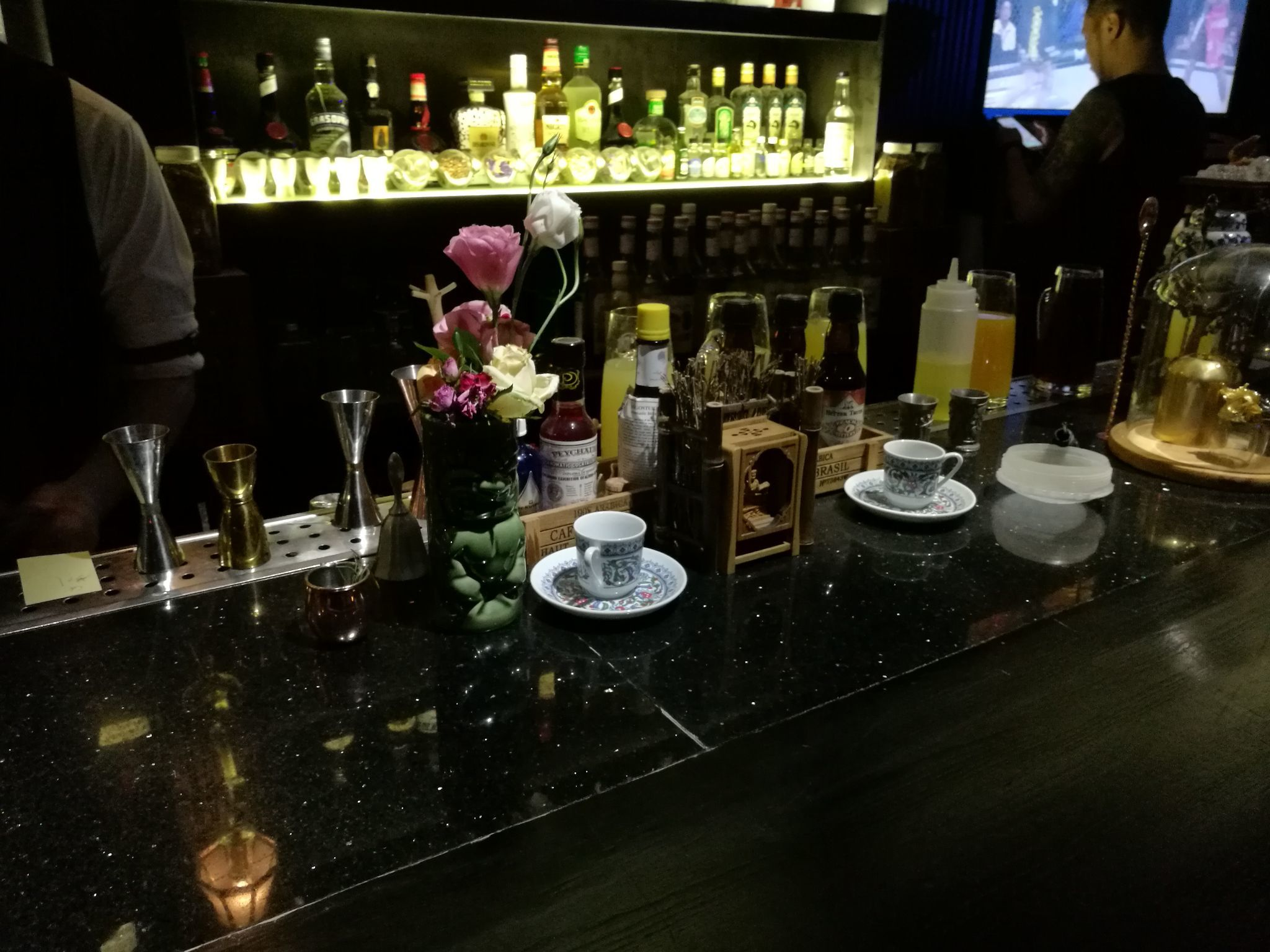 外国美女A片_昆明有哪些不错的酒吧? - 知乎