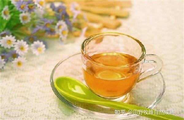 致力于早上喝蜂蜜水的好处?早上很好吗?