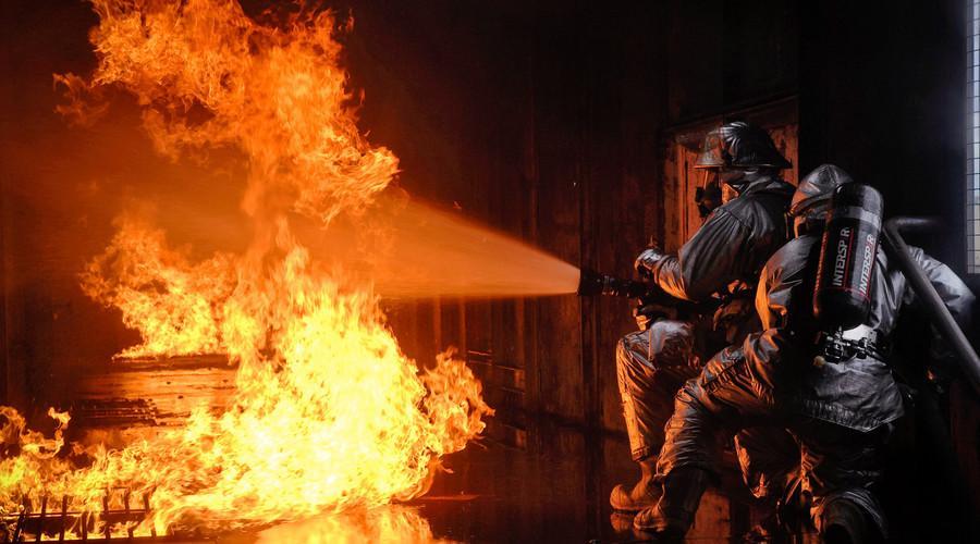 知识点:消防应急照明和疏散指示系统的工作原理与性能要求