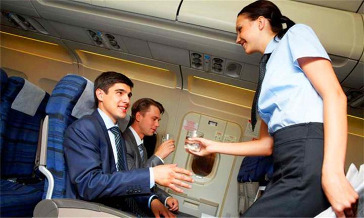 哪里有欧美幼幼资源_怎么才能在飞机上坐到腿部空间跟头等舱一样的紧急出口座位?