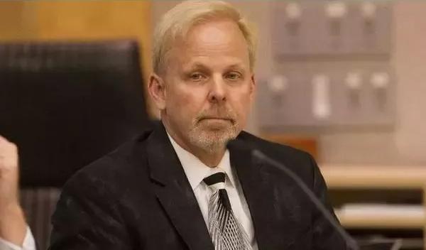 「酸碱体质理论」创始人被判罚 1.05 亿美元,当庭承认骗局