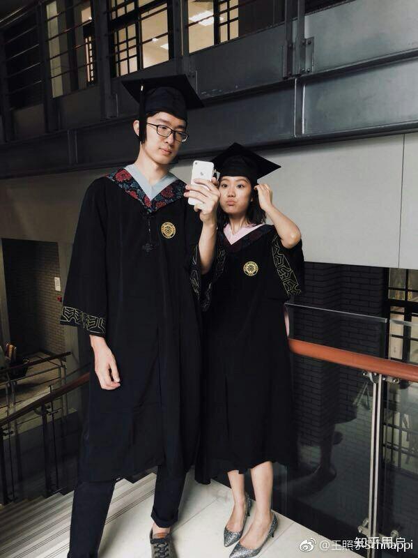因為一站到底上她的男朋友王照宇而認識了她,從而認識了一個優雅聰慧圖片