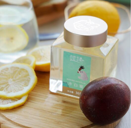 蜂蜜檸檬水制作冰糖嗎?檸檬水放在冰糖或蜂蜜上?