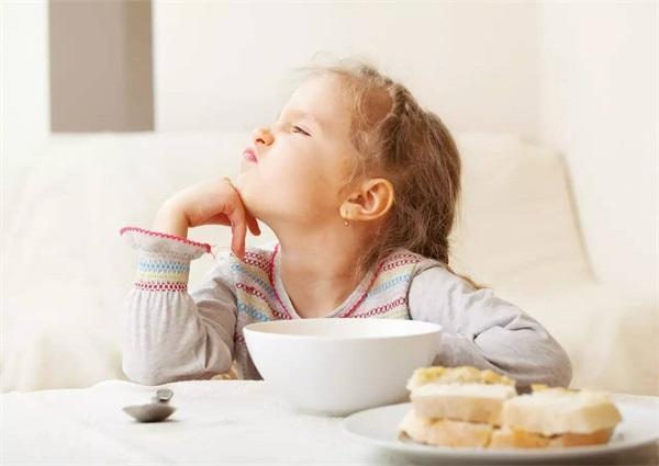 两个孩子可以喝蜂蜜水吗?我可以在2岁时喝蜂蜜水吗?