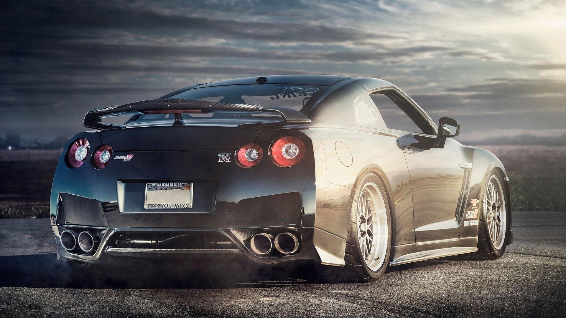Nissan GT-R Nissan без смс