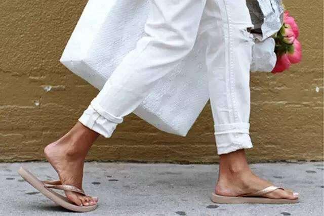 一.腳后跟蹭地 很多妹子都喜歡這樣走路.圖片