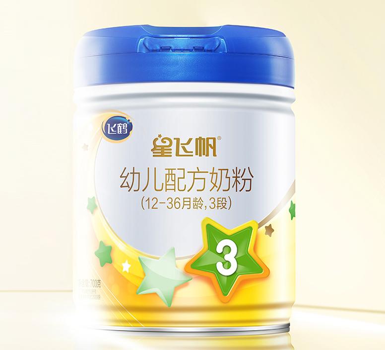 在后浪不断的国产奶粉市场中飞鹤星飞帆为何能持久屹立?