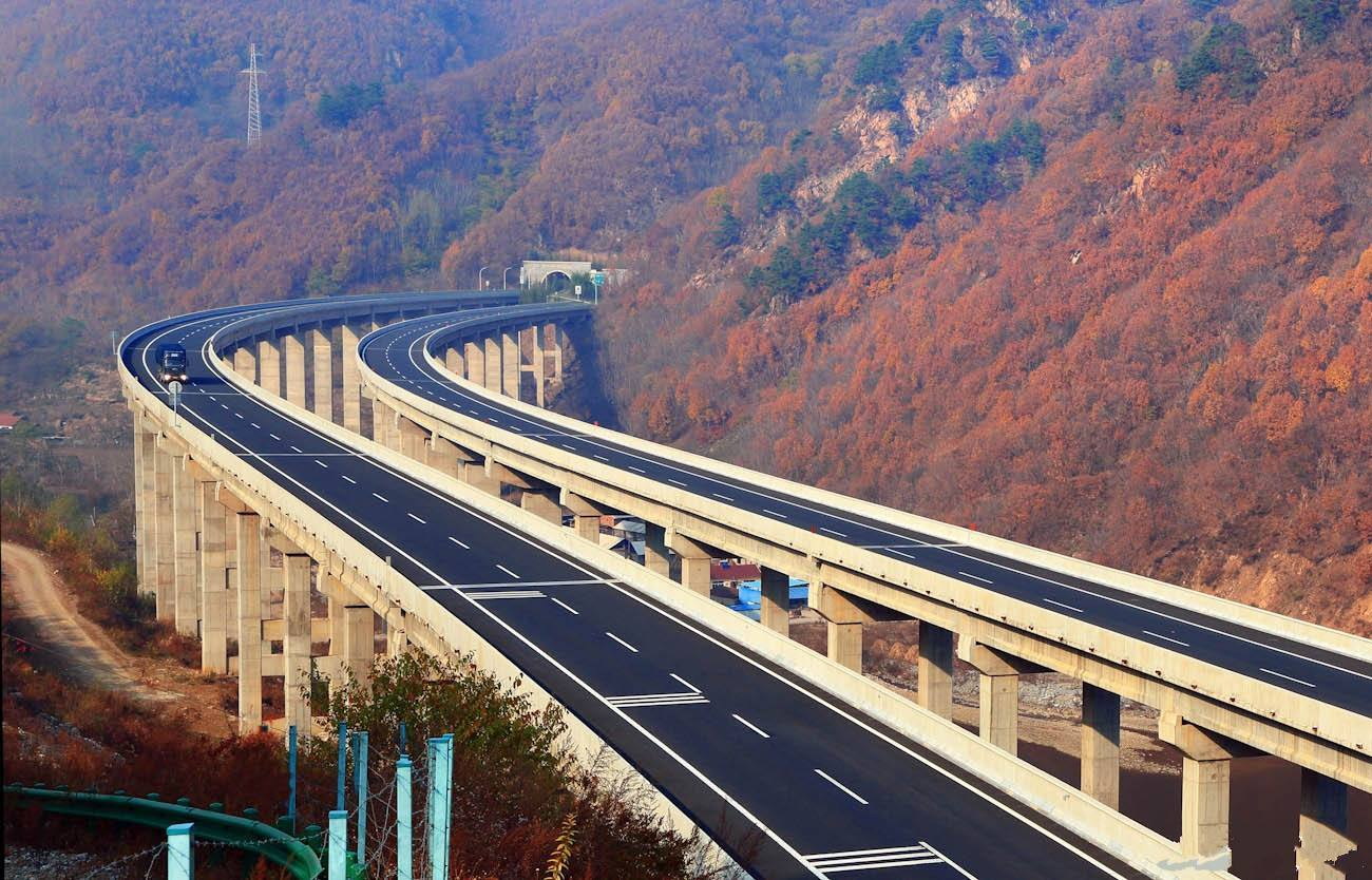 超速10%以下扣分吗_我国高速限速120km/h,有人以时速130km/h通过却不会吃罚单,这是为 ...