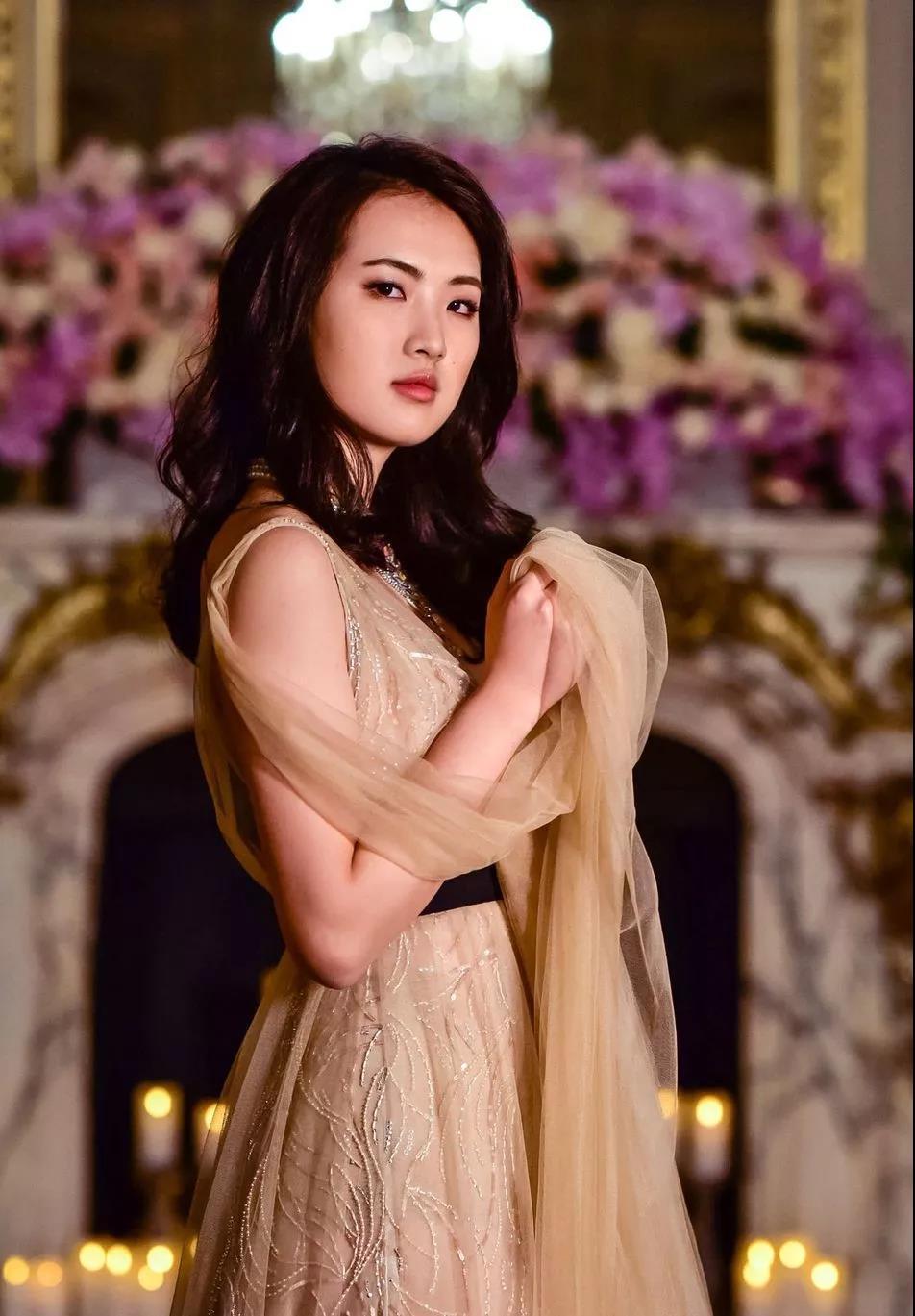 幼磁女_自幼学芭蕾,任正非的女儿出席巴黎顶级名媛舞会惊艳众人